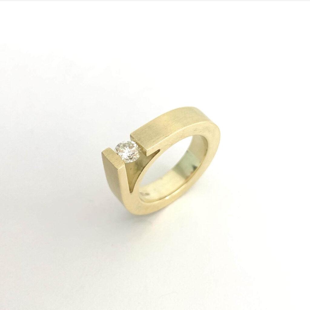 UNI10 Tiens geel gouden 14k ring