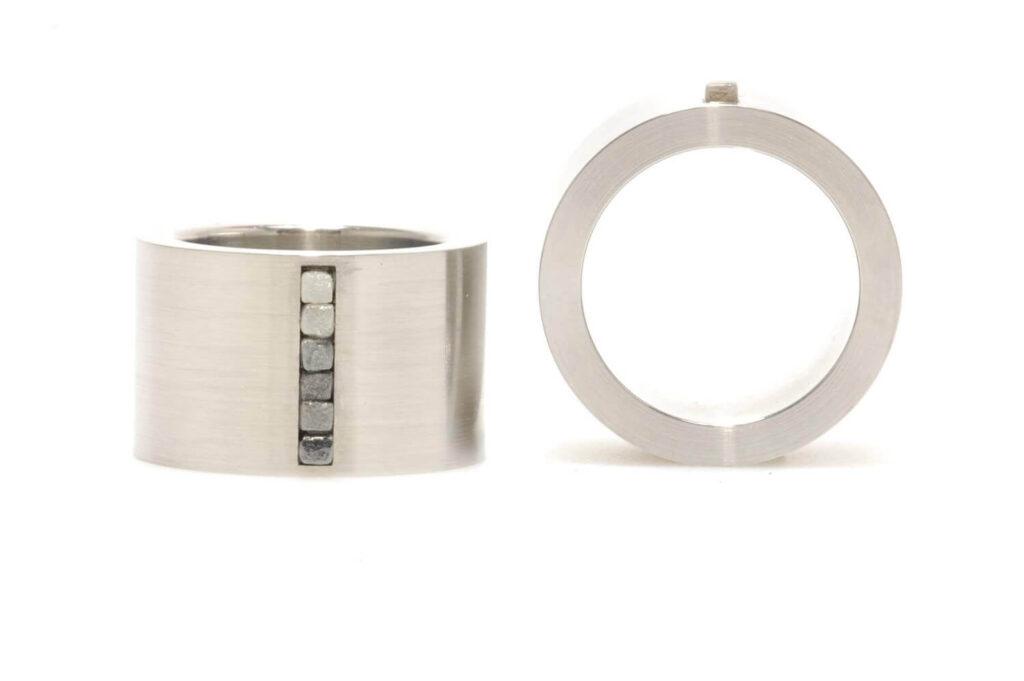 UNI10-rough-edelstaal-ring
